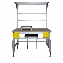 Adjustable-Height-Workbench-with-Lighting